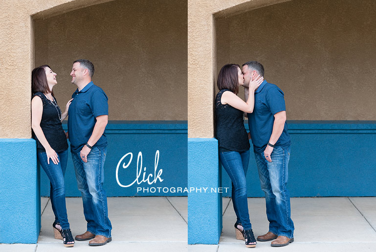 What to wear for engagement portraits (www.clickphotography.net)