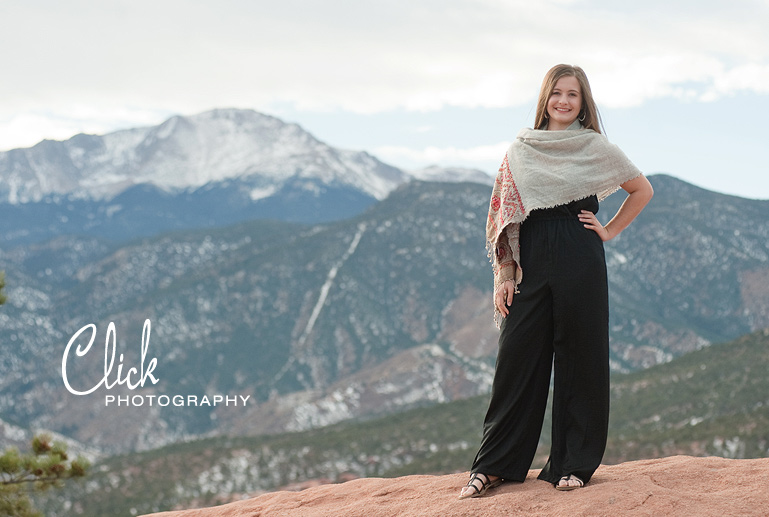 senior pictures at the Garden of the Gods