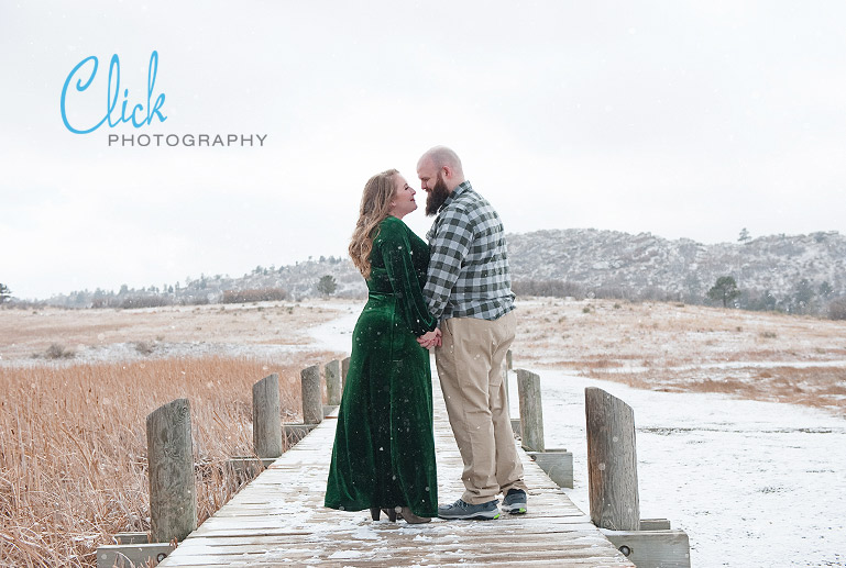 snowy engagement portraits